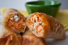 Buffalo chicken rolls, 100 calories, baked not fried, this is a huge hit. So easy to make the broccoli slaw gives it a nice added crunch. It's also great the next day at 100 calories you can't go wrong. Think Food, I Love Food, Good Food, Yummy Food, Tasty, Buffalo Chicken Rolls, Chicken Egg Rolls, Chicken Wraps, Buff Chicken