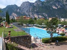 Camping Brione - Riva del Garda ... Garda Lake, Lago di Garda, Gardasee, Lake Garda, Lac de Garde, Gardameer, Gardasøen, Jezioro Garda, Gardské Jezero, אגם גארדה, Озеро Гарда ... Welcome to Camping Brione Riva del Garda, Only 400 metres from the beach on Lake Garda, Camping Brione has 33,000 m² of grounds. It offers well-equipped bungalows, plus a swimming pool and mini golf course. Each bungalow has its own private garden and furnished patio. All air-con
