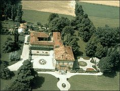 Un filo per l'Italia: La vera storia della Villa di Arcore