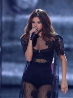 Selena Gomez Pays Tearful Tribute To Christina Grimmie #refinery29