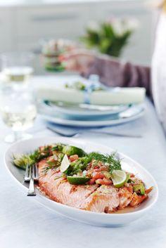 Fenkolilohi ja avokado-tomaattisalsa - fennel salmon with avocado/tomato salsa