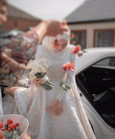 Hijabi Wedding, Muslimah Wedding Dress, Muslim Wedding Dresses, Muslim Brides, Bridal Dresses, Bridal Hijab, Hijab Bride, Beautiful Hijab, Beautiful Bride