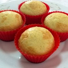 Ver la receta www. Gluten Free Desserts, Healthy Desserts, Gluten Free Recipes, Pan Dulce, Cupcake Cakes, Cake Decorating, Bakery, Food And Drink, Snacks