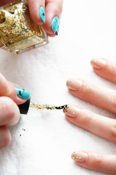 T Reynolds Beauty How To : 10 easy steps to creating your own glitter ombre manicure at home Nail Art Games, Nail Art Kit, Cute Nails, Pretty Nails, Nail Art Designs, Nails Design, Glitter French Tips, Nail Art Pictures, Art Pics