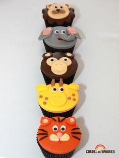 zoo animal cupcakes; great for a baby shower!