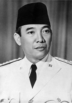 Sukarno was the president of Indonesia. He was leader of the Indonesia… Penguin Books, Jakarta, Tutorial Photoshop, Vietnam, Islam, Thailand Honeymoon, Dutch East Indies, Great Leaders, Founding Fathers