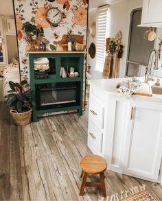 Flower & Honey Bee Wallpaper - Home Design Design Living Room, Design Room, Deco Design, Home Design Diy, Design Design, Modern Design, Design Ideas, Tiny House Living, Rv Living