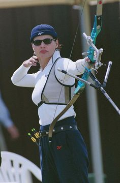 Happy 57th birthday, Geena Davis! We love you for your great acting, your amazing foray into Olympic archery and your ongoing activism around gender and media!