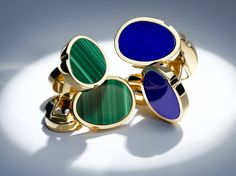 Yellow gold cuff links by Mellerio dits Meller #MellerioinLove #valentinesday #Vdaygiftguide #giftguide #jewellery