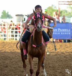 Photo by Ron Ritcher of 2014 Indian Relays Thursday night at Sheridan WYO Rodeo in Sheridan, Wyoming. See more of his great photos at Sheridan Media. Vintage Comic Books, Vintage Comics, American Life, Native American, Sheridan Wyoming, Relay Races, Thursday Night, Great Photos, Rodeo
