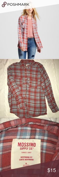 Mossimo women's boyfriend plaid flannel Mossimo women's boyfriend plaid flannel/ 2 front pockets/ button down/ excellent condition, no holes, no stains, no piling/ size XL Mossimo Supply Co Tops Button Down Shirts