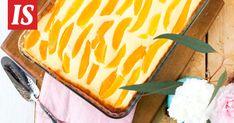 Tarun rahkapiirakkaan voi käyttää säilykehedelmiä, kuten esimerkiksi mangoa tai persikkaa. Dessert Recipes, Desserts, Recipies, Mango, Baking, Cake, Ethnic Recipes, Sweet, Candies