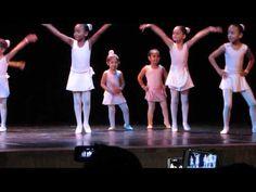 1ª Apresentação de ballet da Isabella - frozen