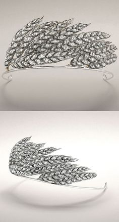 Chaumet wheat sheaf tiara designed in 1811 for Empress Marie-Louise, Napoléon's second wife. She commissioned 150 bejewelled wheat stalks to form part of the Crown Jewels, which symbolised the modernity sweeping through France. http://gioiellis.com/fr/chaumet-vu-par-chaumet/