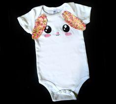 body, cache-couche lapin / onesie bébé blanc sérigraphie lapin, oreilles morif fleuri de la boutique HochetGaga sur Etsy