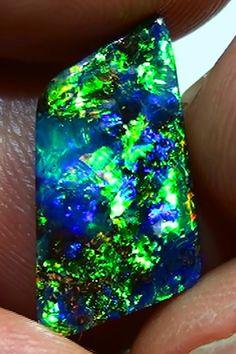 5.15 ct Top Gem Quality Boulder Opal  OPAL,MULTICOLOR BOULDER OPAL GEMSTONE,  OPALS,, AUSTRALIAN BOULDER,OPAL,AUSTRALIAN OPAL