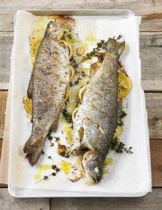Rezept für Ofenforelle bei Essen und Trinken. Ein Rezept für 2 Personen. Und weitere Rezepte in den Kategorien Fisch, Kräuter, Hauptspeise, Backen, Einfach, Schnell.