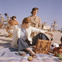 REPIN if you plan to picnic on the beach this 4th of July weekend. Cate Blanchett as Katherine Hepurn in The Aviator.