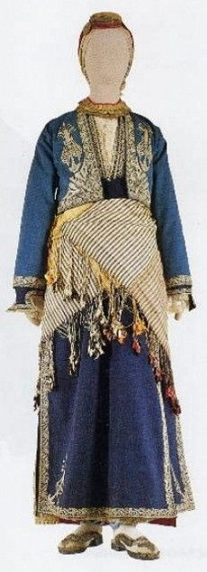 Traditional Greek festive costume from the Konya – Niğde region (Western Cappadokia).  Ca. 1900.