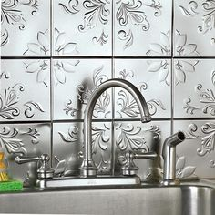 Floral tin tile back splash for kitchen. Adding this DIY project to my to do list...