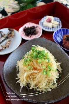 おつまみじゃがいもサラダ by 築山紀子 「写真がきれい」×「つくりやすい」×「美味しい」お料理と出会えるレシピサイト「Nadia   ナディア」プロの料理を無料で検索。実用的な節約簡単レシピからおもてなしレシピまで。有名レシピブロガーの料理動画も満載!お気に入りのレシピが保存できるSNS。