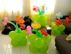 Balloon flowers-love this idea Balloon Centerpieces, Balloon Decorations, Birthday Decorations, Flower Decorations, Love Balloon, Balloon Flowers, 1st Birthday Parties, Girl Birthday, Birthday Morning