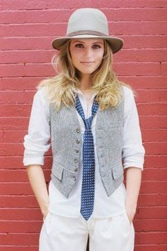 I love women in ties, looks so cute and sassy. | Women in Menswear | Man style | Man-style | Tomboy | Necktie | Neck tie | Shirt and tie | Fashion | Style | Clothes | Outfit | Vest | Waistcoat | Hat | Tweed | White | Casual |