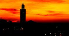 Marokon lumoava auringonlasku pysäyttää maahan matkustavan, niin säväyttävä se keltaisen ja oranssin sävyissään on! #Marokko #Agadir #Aurinkomatkat #matkablogi
