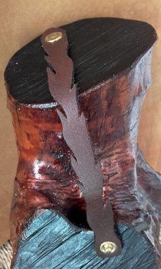 Bracelet  cuir - plume marron foncé  ref: BL 19 de la boutique IndianHeritageArts sur Etsy