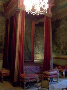 Warwick Castle, Bed Chamber by FritzJ.M, via Flickr