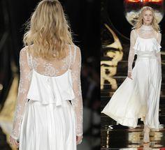 Vestido de novia de Yolan Cris Barcelona Bridal Fashion Week 2016 http://wildjuliet.com/barcelona-bridal-fashion-week-las-10-mejores-espaldas