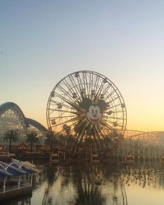 I would give anything to be back here right now so beautiful it doesn't even need a filter  #disneyland #america #favouriteplaceonearth by emilygracelowe