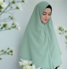 @reistaputrii Muslim Fashion, Hijab Fashion, Hijab Tutorial, Beautiful Hijab, Pashmina Scarf, Niqab, Neck Scarves, Hijab Ideas, Hijab Styles