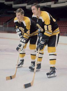 Orr and Awrey Bobby Orr, Boston Bruins Hockey, Ice Hockey Teams, Boston Sports, Nfl Fans, Hockey Cards, National Hockey League, Hockey Players, Sports Illustrated