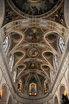 La voûte du choeur de l'église St Roch. Sanctuaire templier