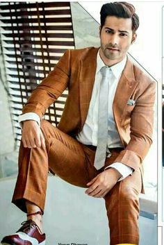Favorite hero of ritul ganore. Bollywood Suits, Bollywood Actors, Varun Dhawan Photos, Handsome Indian Men, Alia And Varun, Trendy Suits, Actors Images, Indian Celebrities, Photoshoot Inspiration