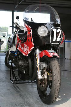 2007年鈴鹿8耐 リバイバル展示のヨシムラ80GS1000R Suzuki Bikes, Suzuki Motorcycle, Cool Motorcycles, Monster Trucks, Moto Car, Open Face Helmets, Vintage Cafe Racer, Road Racing, Motogp