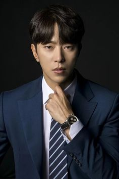 Yoon Hyun-min (윤현민, Korean musical actor/ress, actor, former baseball player, baseball player) Hot Korean Guys, Korean Men, Handsome Asian Men, Handsome Boys, Asian Actors, Korean Actors, Netflix, Korean Babies, Kdrama Actors