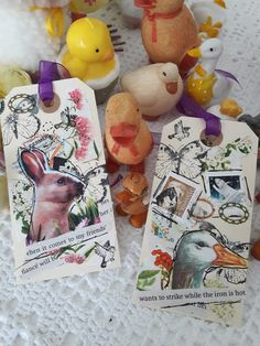 Fasters korthus: Easter Tags and chicks for decor