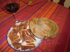 Pan de semillas de amapola con jamón de Jabugo triple X