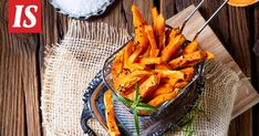 Akseli Herlevi jakoi vinkkinsä kotikokeille. Chipotle, Carrots, Vegetables, Hot, Carrot, Vegetable Recipes, Veggies