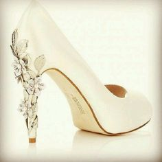 Brides shoe  Really like color and shoe
