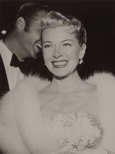 Hollywood Homicide: Lana Turner and the Death of Johnny Stompanato . Hollywood Cinema, Hollywood Star, Old Hollywood Glamour, Golden Age Of Hollywood, Hollywood Actresses, Classic Hollywood, Veronica Lake, Lana Turner, Actresses