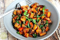 Spicy Red Pepper and Spinach Sweet Potato Hash Browns...made with clean ingredients and they're vegan, gluten-free, dairy-free, nut-free and paleo-friendly
