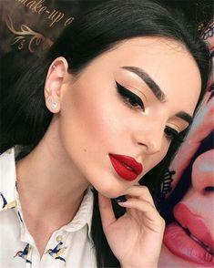 Trendy Makeup Looks With Red Lipstick For You; Stunning Makeup Looks; Red Makup Looks; sencillo 50 Trendy Makeup Looks With Red Lipstick For You - Page 30 of 50 Glam Makeup, Makeup Inspo, Makeup Inspiration, Beauty Makeup, Eye Makeup, Hair Makeup, Makeup Lipstick, Makeup Ideas, Makeup Hacks