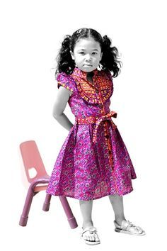 I love the style of this dress for Laila African Dresses For Kids, African Babies, African Children, African Women, Girls Dresses, African Inspired Fashion, African Print Fashion, Africa Fashion, High Street Fashion