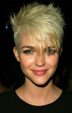 Ruby Rose, cute blond short hairstyle #PixieHairstylesMessy