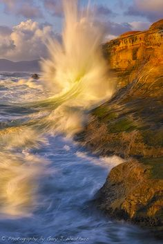 Wave at Cape Kiwanda, Oregon; photo by Gary Weathers
