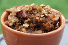 Overnight Apple Cinnamon Oatmeal (in the slow cooker!)