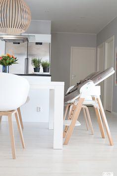 Keittiö on kodin keskus ja onhan se mukavaa, että koko perheelle löytyy paikat ruokapöydän äärestä. Päätimme ostaa vauvalle Stokke Steps-sarjan...